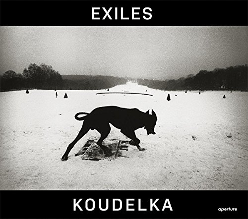 9781597112697: Josef Koudelka: Exiles