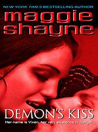 Demon's Kiss (Wheeler Hardcover): Shayne, Maggie
