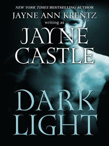 9781597228664: Dark Light (Ghost Hunters, Book 5)