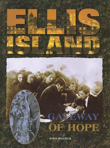 9781597642644: Ellis Island: Gateway of Hope