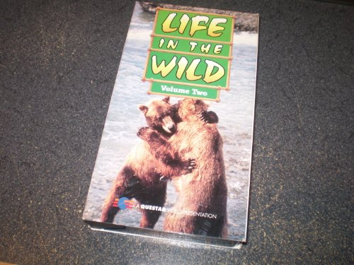 9781598115642: Life in the Wild Volume 2 - Kakadu / Great Barrier Reef / Galapagos / Greenland / Yellowstone / Everglades / Camargue