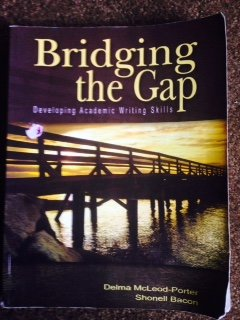 9781598711097: Bridging the Gap: Developing Academic Writing Skills
