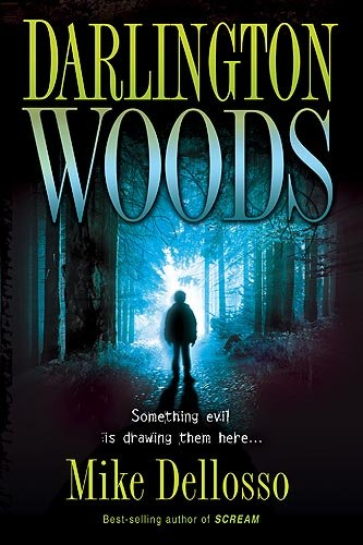 9781599799186: Darlington Woods: Something Evil Is Drawing Them Here...