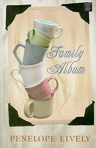 9781602856035: Family Album (Platinum Readers Circle Series)