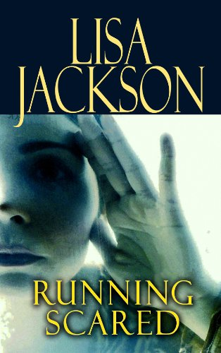 9781602858329: Running Scared (Center Point Platinum Mystery (Large Print))