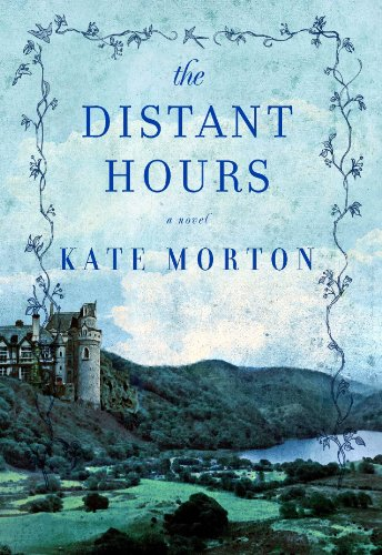 9781602858992: The Distant Hours (Center Point Platinum Fiction)