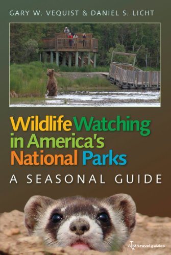9781603448147: Wildlife Watching in America's National Parks: A Seasonal Guide