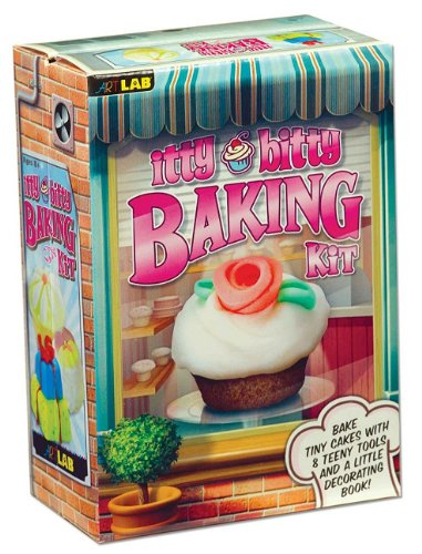 9781603800709: Itty Bitty Baking Kit [With Cupcake Pan, Froster, Shape Cutters, Spreader] (ArtLAB)