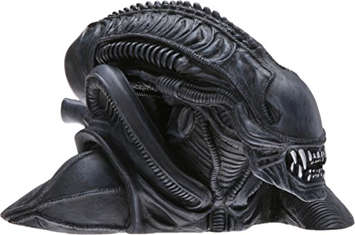 9781605845722: Aliens Alien Warrior Bust Bank