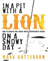 9781606710913: In a Pit with a Lion on a Snowy Day