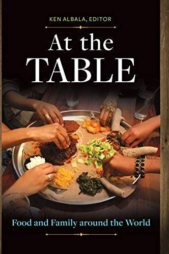 9781610697378: At the Table: Food and Family around the World