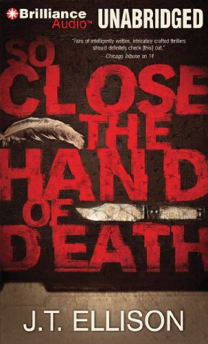 9781611062960: So Close the Hand of Death (Taylor Jackson Series)