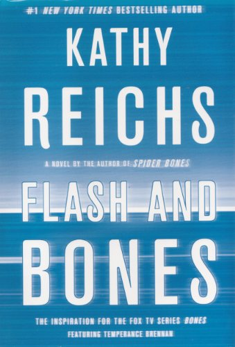 9781611299311: Flash and Bones Large Print