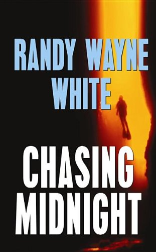 9781611733419: Chasing Midnight (Center Point Platinum Mystery (Large Print))