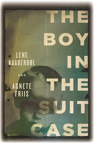 9781611733525: The Boy in the Suitcase (Center Point Platinum Mystery (Large Print))