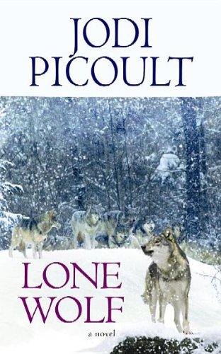9781611733662: Lone Wolf (Center Point Platinum Fiction (Large Print))