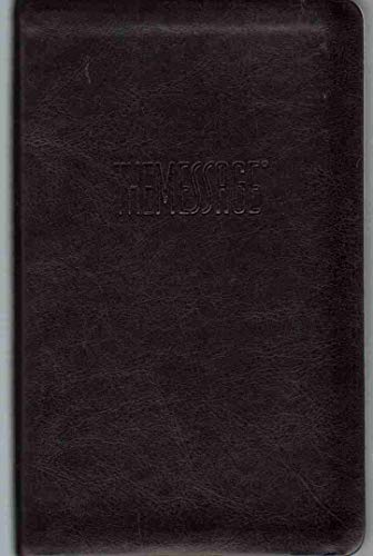 9781615213788: The Message Remix New Testament in Contemporary Language