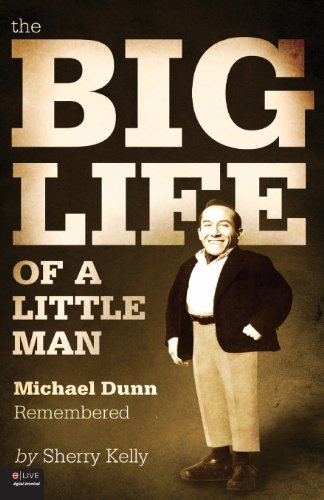 9781615664429: The Big Life of a Little Man