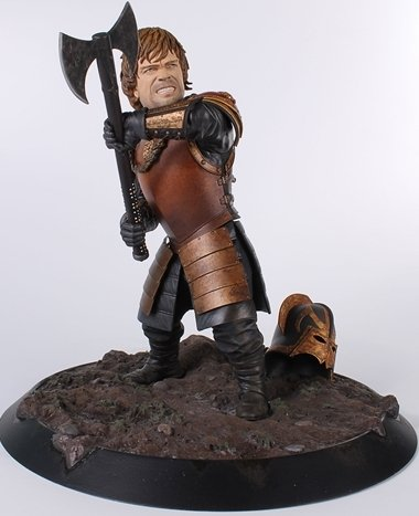 9781616592608: Game of Thrones Tyrion in Battle Statue