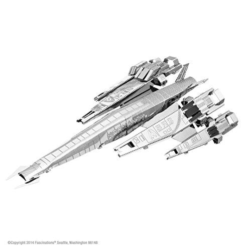 9781616595784: Mass Effect 3d Laser-cut Model Normandy Sr2