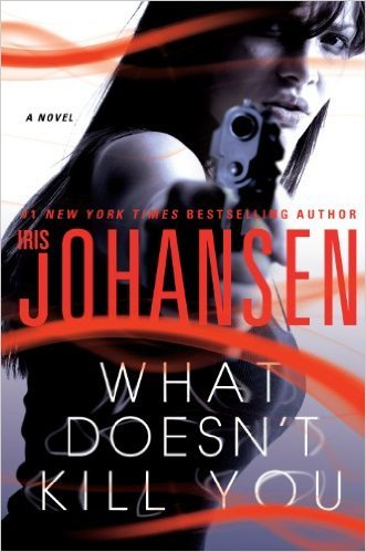 9781617936425: What Doesn't Kill You - LARGE PRINT edition