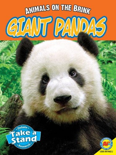 9781619134348: Giant Pandas (Animals on the Brink)
