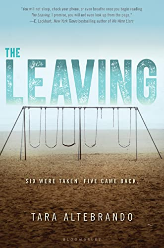 9781619638037: The Leaving