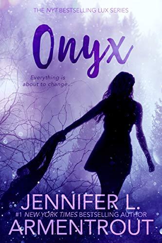 9781620610114: Onyx (Lux)