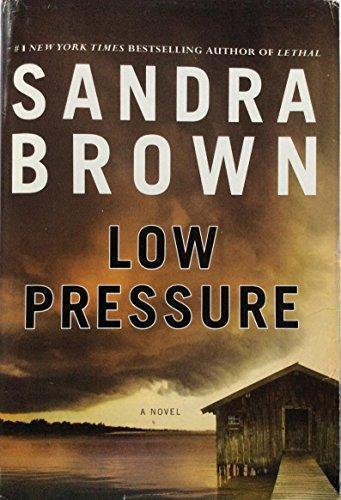 9781620902943: Low Pressure (Large Print Edition)