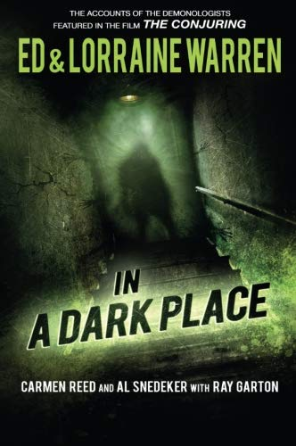 9781631680144: In a Dark Place (Ed & Lorraine Warren)