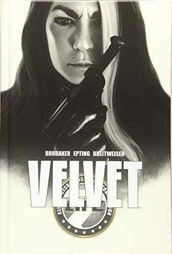 9781632159151: Velvet Deluxe Hardcover