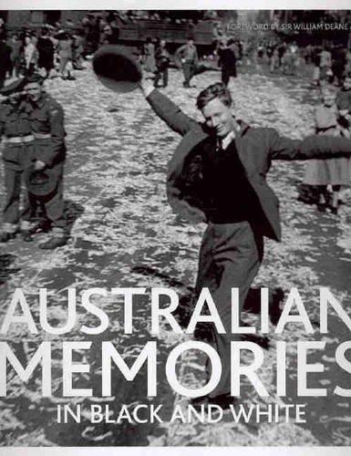 9781740454612: Australian Memories in Black and White