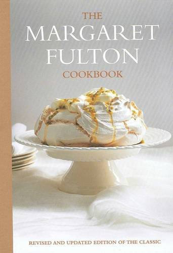 9781740669269: Margaret Fulton Cookbook: Revised And Updated Edition Of The Classic