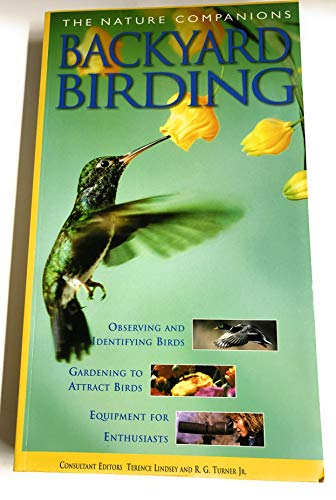 9781740893800: The Nature Companions: Backyard Birding