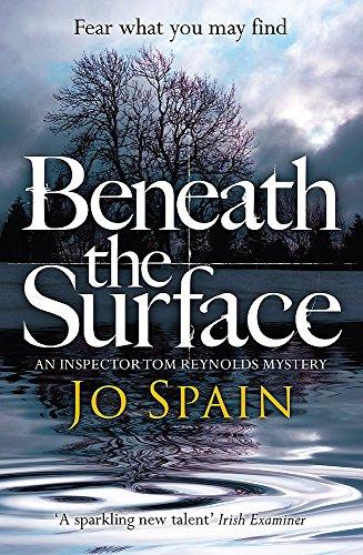 9781784299279: Beneath the Surface: An Inspector Tom Reynolds Mystery (2) (Inspector Tom Reynolds 2)