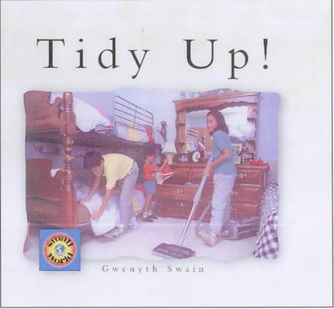9781840892338: Tidy Up! (Small World)