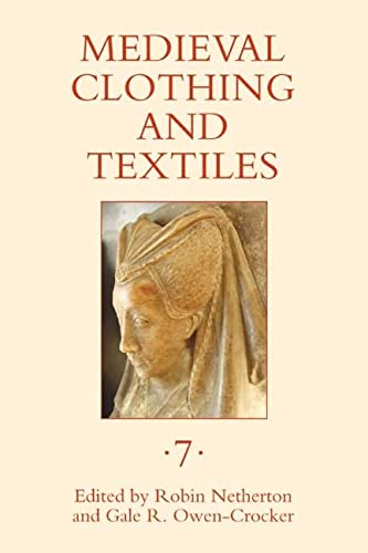 9781843836254: Medieval Clothing and Textiles 7