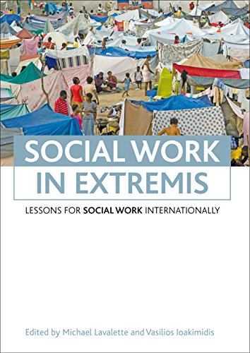 9781847427182: Social work in extremis: Lessons for social work internationally