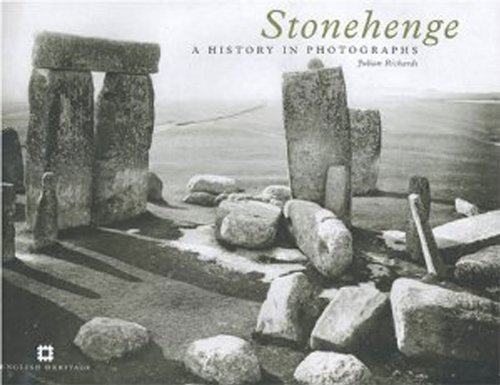 9781848022652: Stonehenge: A History in Photographs