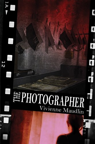 9781849633642: The Photographer