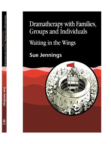 9781849852074: Dramatherapy with Families, Groups and Individuals: Waiting in the Wings