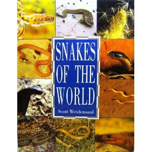 9781850763352: Snakes of the World