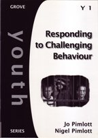 9781851746101: Responding to Challenging Behaviour (Youth S.)