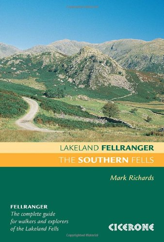 9781852845421: The Southern Fells (Lakeland Fellranger)