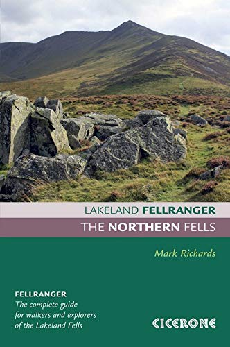 9781852845469: The Northern Fells. Mark Richards