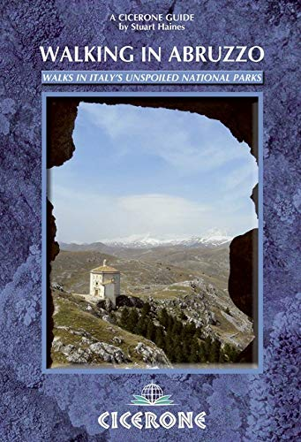 9781852845766: Walking in Abruzzo (Cicerone Guides)