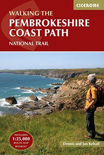 9781852848156: Walking The Pembrokeshire Coast Path National Trail (UK long-distance trails series)