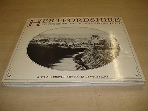 9781853060502: The Herefordshire Village Book (Villages of Britain)