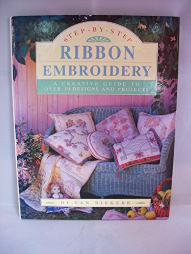 9781853685422: Step by Step Ribbon Embroidery (STRUSA/STEP)