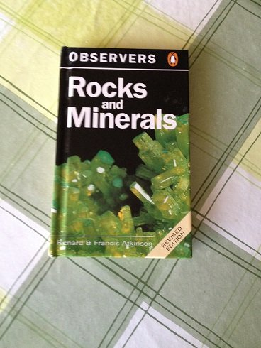 9781854710444: The Observer's Book of Rocks and Minerals